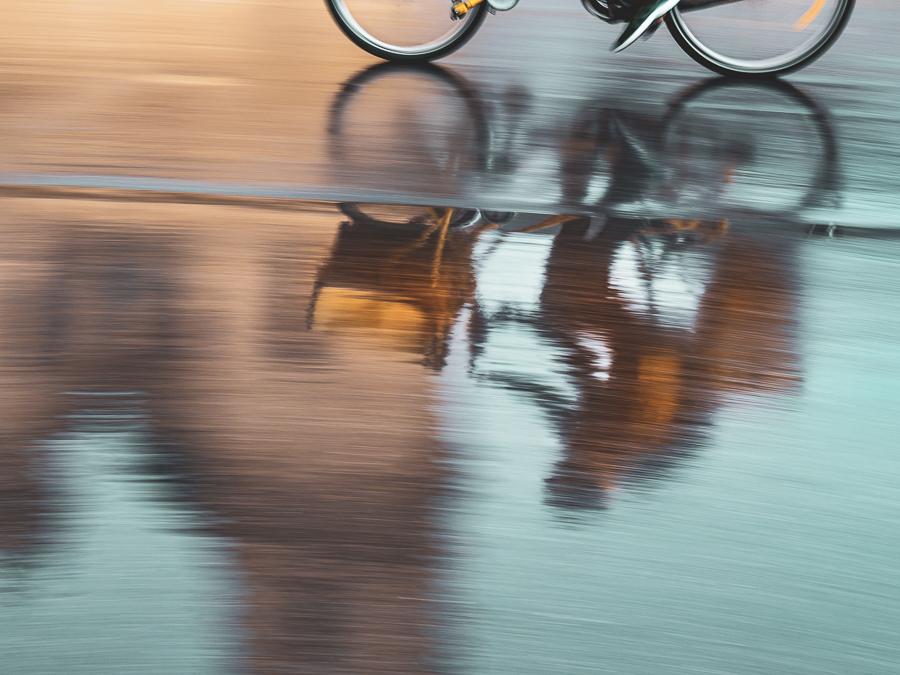Spiegelung, Fahrrad mitgezogen