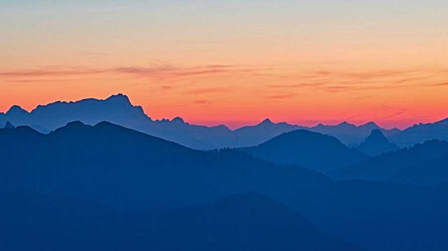 Silhouette zum Sonnenuntergang