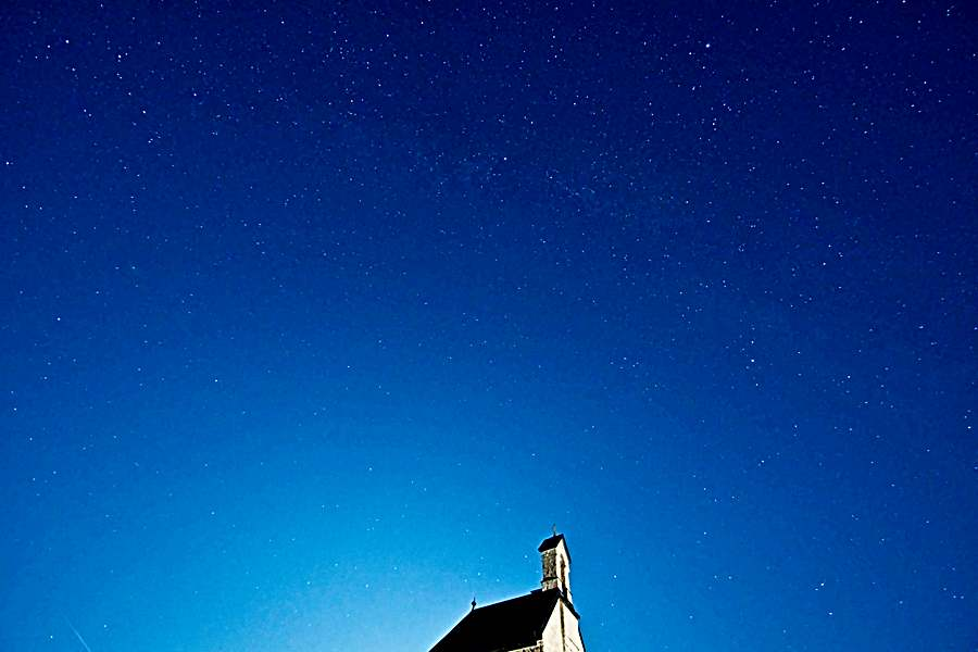 Sternenhimmel über Wendelstein-Kapelle
