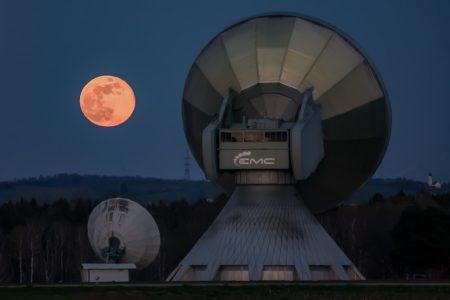 Mond über Raisting